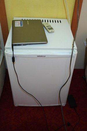 Meral Hotel: A refrigerator!