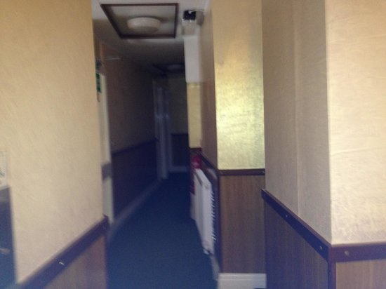 The Clarence House Hotel: Corridor