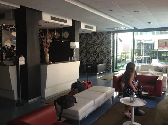 Hotel Perla: Reception