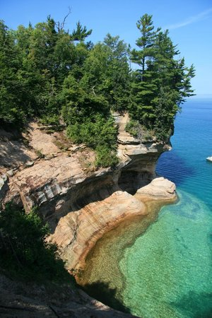 The Agate Cross Bed & Breakfast, LLC: Pictured rocks