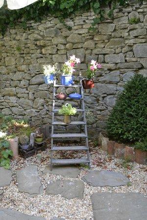 Locanda Pane e Vino: Particolare del giardino
