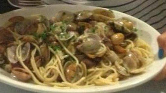 Ristorante Del Porticciolo : Espaguetis con ALMEJAS!!!!  mmm buenísimos