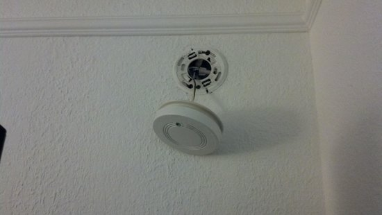 Indianapolis Conference Center Hotel: Smoke alarm hanging from wall