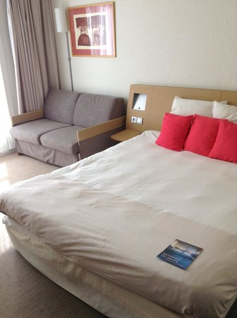 Novotel Lens Noyelles : Superior room - sofa bed up