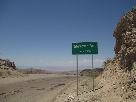 Sitgreaves Pass : Unbelievable twists and turns but so glad we decided to jump off I40 and take the pass through O