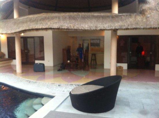 bvilla + Seaside : Dining area