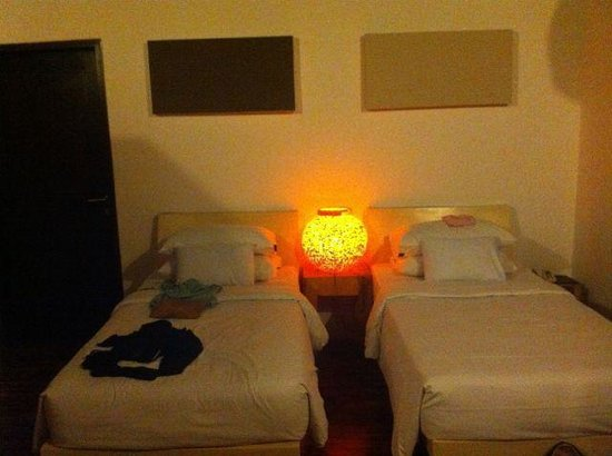 bvilla + Seaside : Double room, with single beds