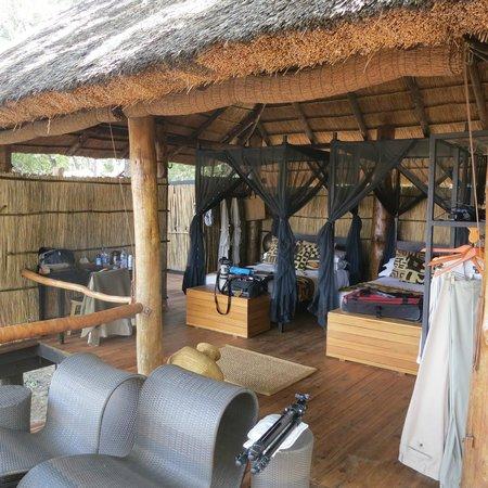 Chamilandu Bushcamp - The Bushcamp Company : My room