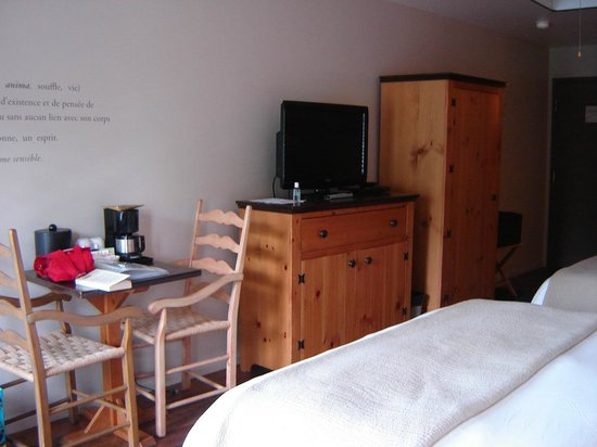 Auberge Du Lac Taureau: Chambre avec balcon