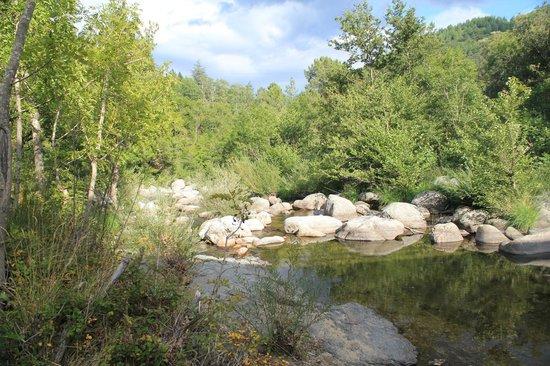 Le Mas du Coupetadou : Rivière