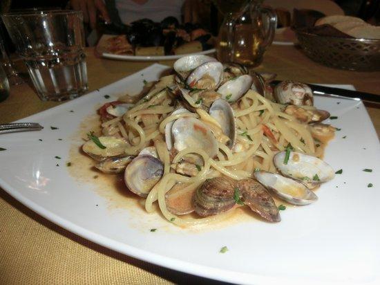 La Piazzetta de Trastevere : アサリとトマト