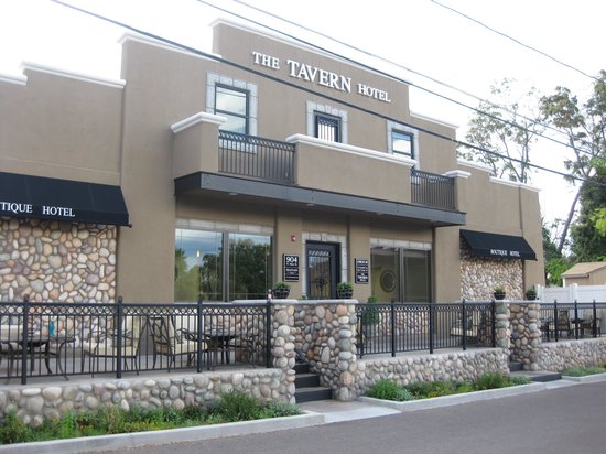 The Tavern Hotel: Front of the Hotel