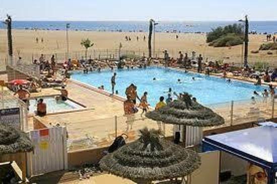 Camping Bleu Marine: Vue de la piscine