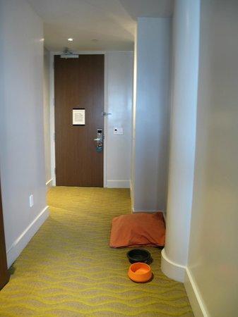 Kimpton Ink48 Hotel : Entrée de la chambre
