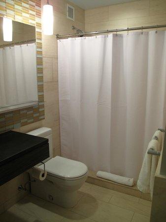 Kimpton Ink48 Hotel : Salle de bain