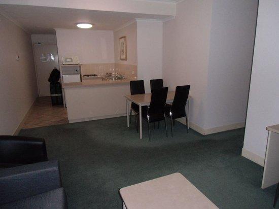 Comfort Inn & Suites Goodearth Perth: キッチンがあって広いです