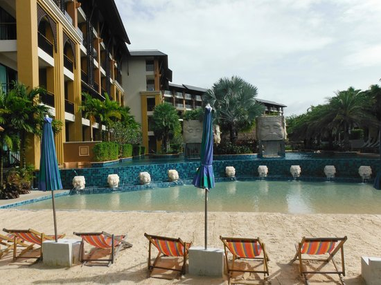 Rawai Palm Beach Resort : Piscine