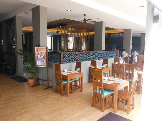 Rawai Palm Beach Resort : Restaurant