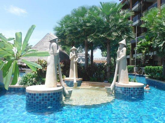 piscine picture of rawai palm beach resort rawai tripadvisor. Black Bedroom Furniture Sets. Home Design Ideas