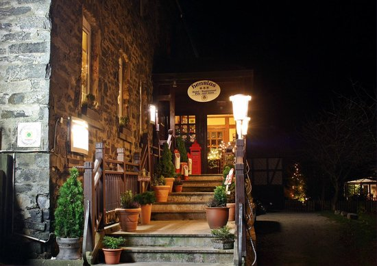 Henblas-Hotel: Hotel- und Restaurant-Eingang