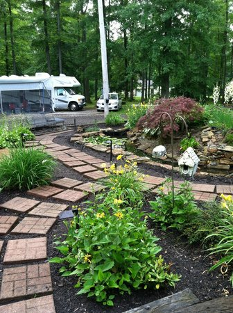 Country Acres Campground: Entry frog pond - nice job landscaping Jim !