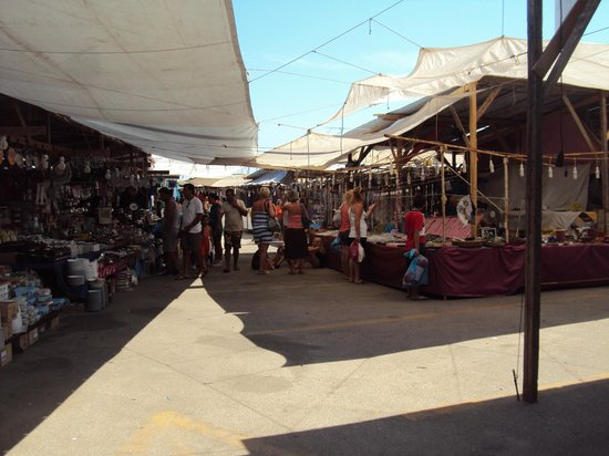 Laganas, اليونان: mercato