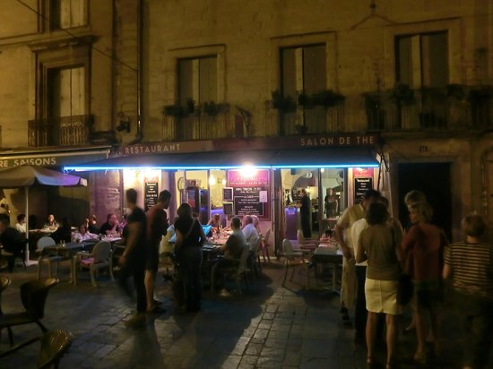 le cafe Dampmartin : Cafe dampmartin uzès