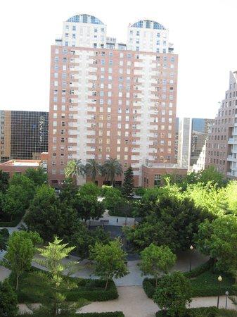 NH Valencia Las Artes : Vista dalla finestra della camera