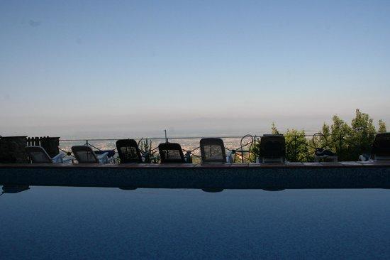 Hotel Bellavista : vista dalla piscina