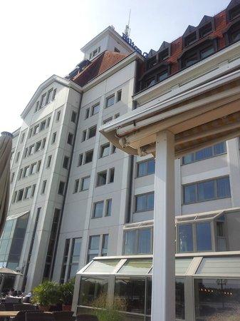 Hilton Vienna Danube Waterfront : BATIMENT