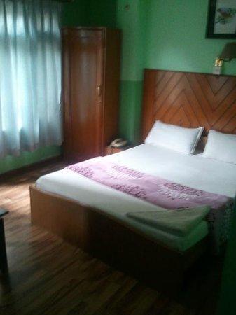 Hotel Lucky Star: room 302