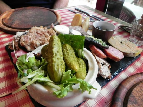 Loire Valley Uncorked: Our lunch at Bistrot Les Tontons