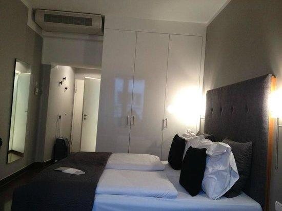 Hotel Duesseldorf Mitte : camera standard