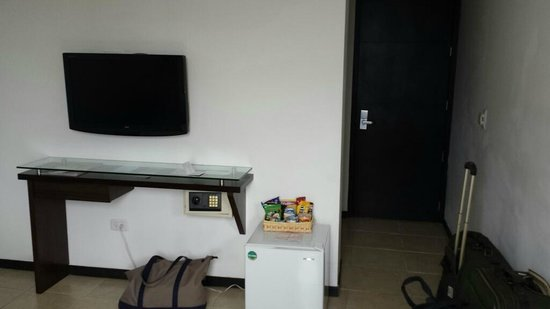 Hotel Plaza Granada: room