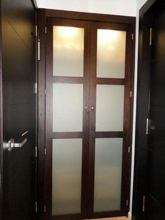 Hotel San Gil: Armario habitación