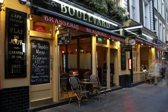 Boulevard Brasserie: Outside