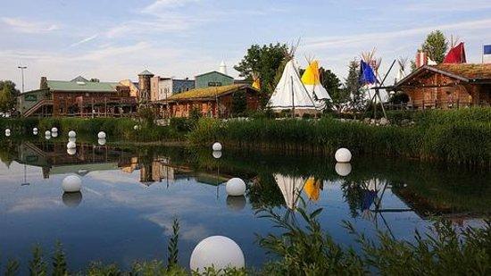 Camp Resort Europa-Park: Le lac du résort