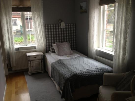Lilton: A single room
