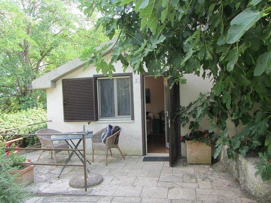 Agriturismo Peretti: La veranda della nostra camera..