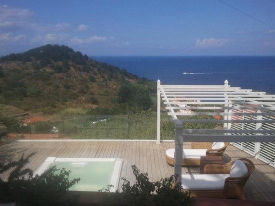 Hotel Gallo Nero : vasca idroterapica vista mare