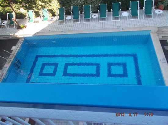Hotel Club Sorrento: A very clean pool