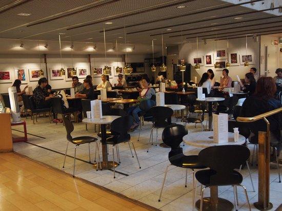 Academic Bookstore (Akateeminen Kirjakauppa): カフェ・アアルト