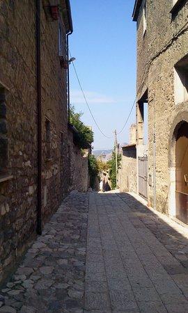 Conte Spencer : strada del borgo