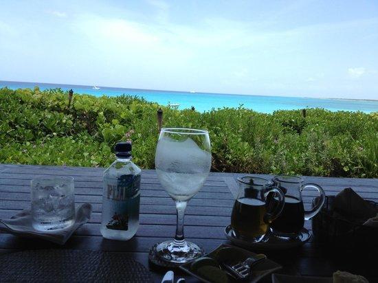 Amanyara: Lunch oceanside