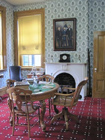 Ulysses S. Grant Home: parlor