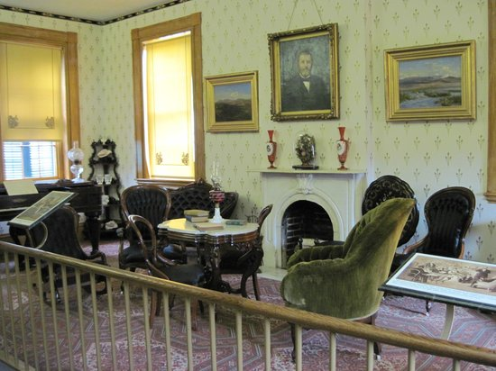 Ulysses S. Grant Home: living room