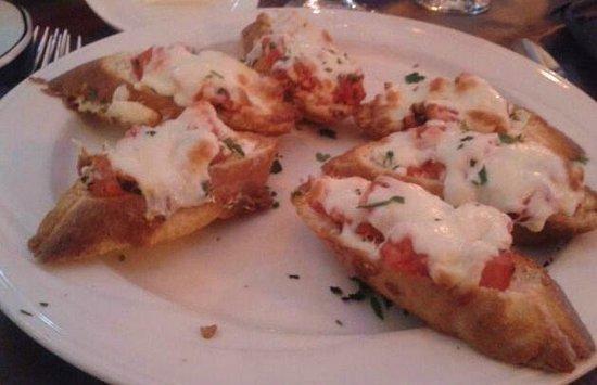 Zias Stonehouse Restaurant: Tomato Brushetta