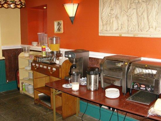 George Hotel: Frühstücksbuffet