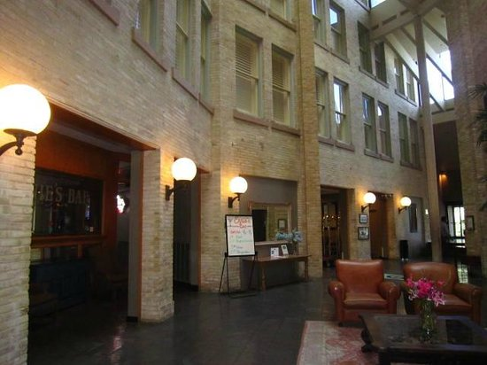 Crockett Hotel : Beautiful lobby