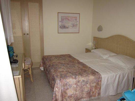 Hotel Airone: letto comodo
